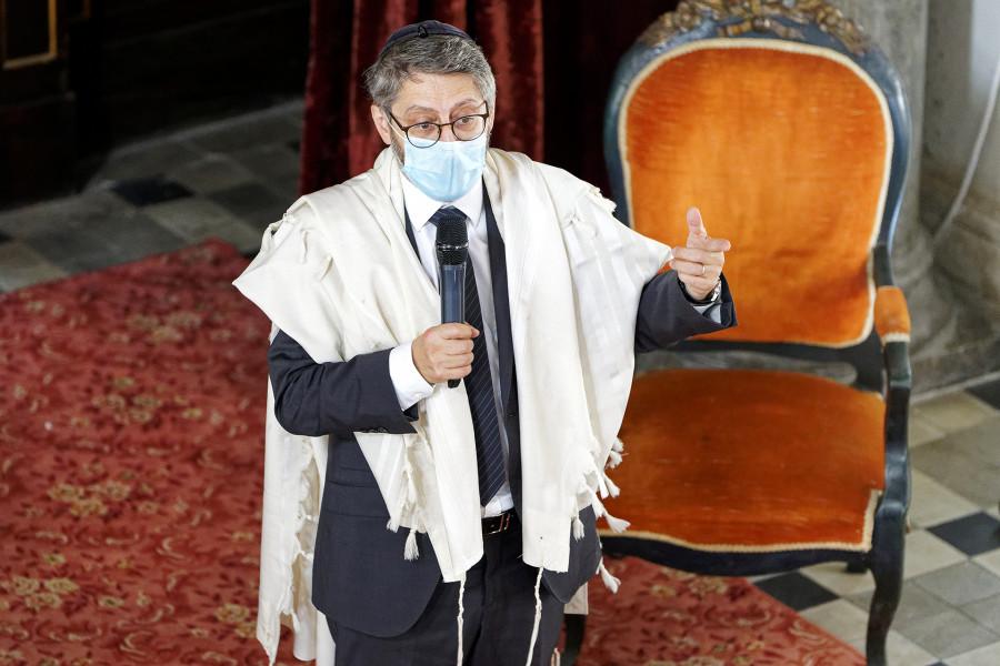 Réalisation d'un reportage photographique sur la visite du Grand Rabbin de France