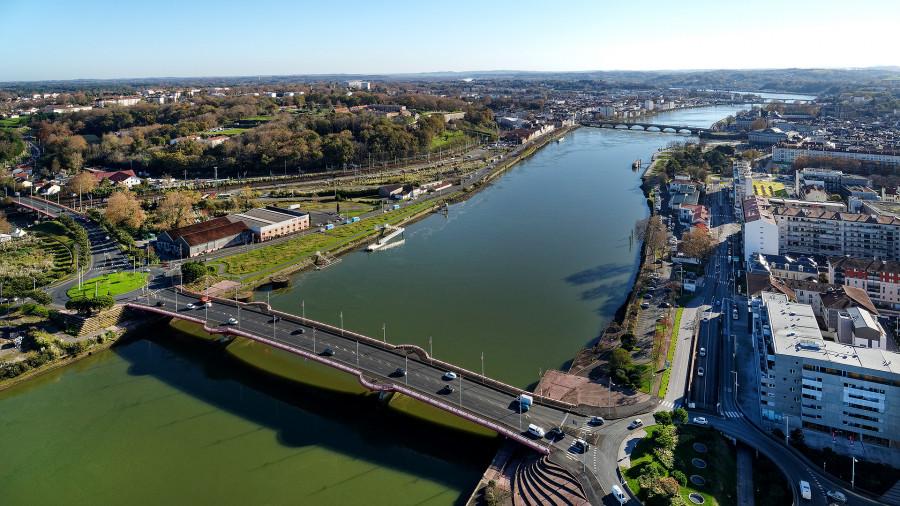 Photos aériennes de Bayonne  pour étude avant aménagement des quais
